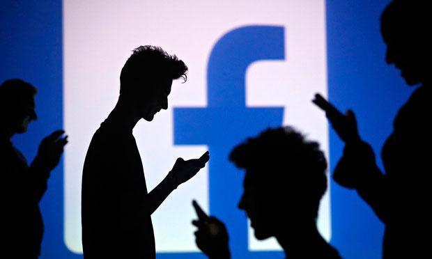 Condividere contenuti digitali su facebook