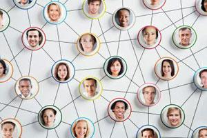 Schema connessione tra persone su facebook